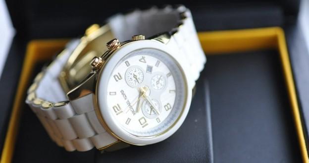 2 Купить часы Michael Kors в подарок
